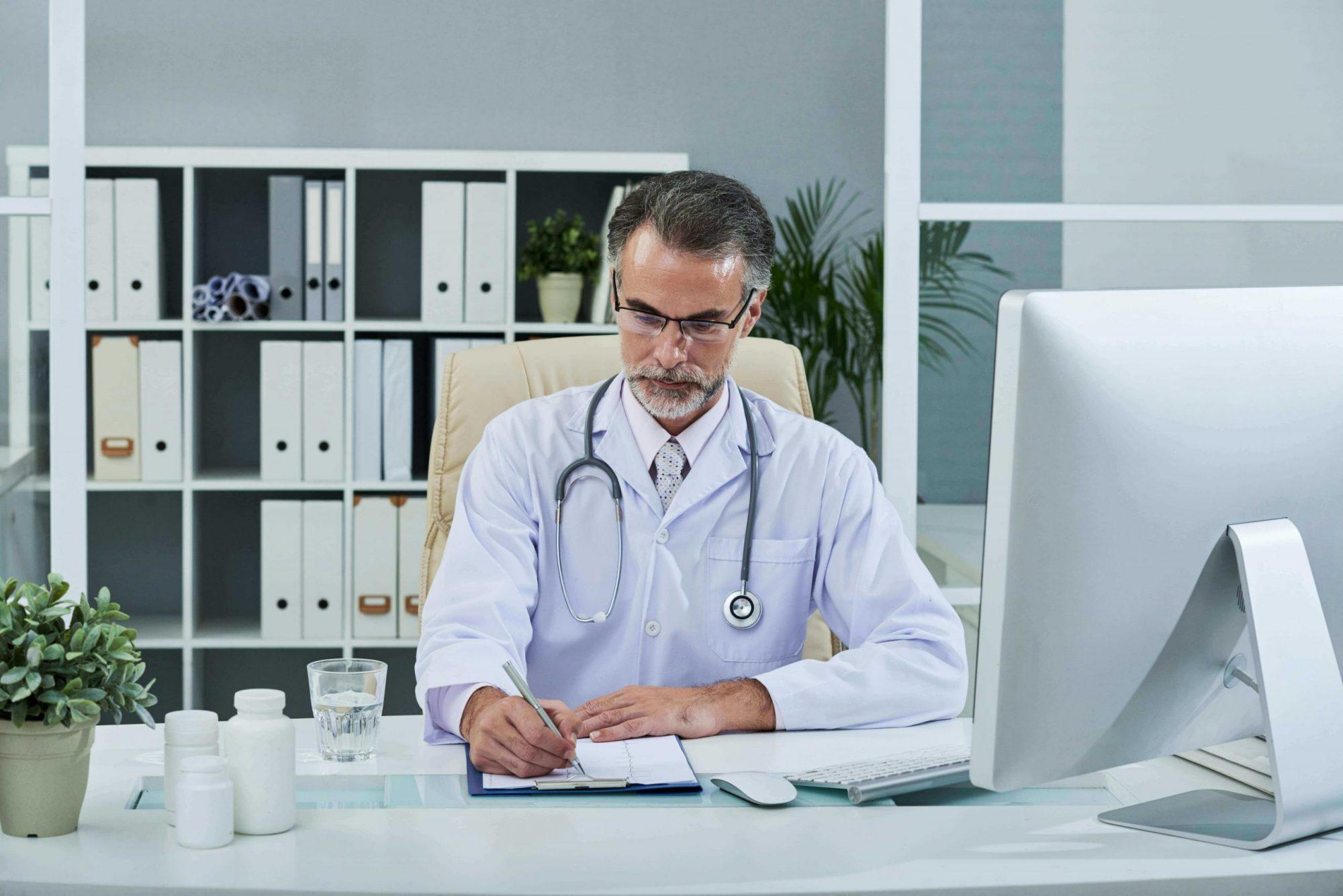 medico-studio-scheda-pazienti-organizzazione-gestione-struttura medica